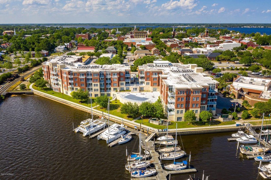 Sky Sail Condominiums -  New Bern,  NC
