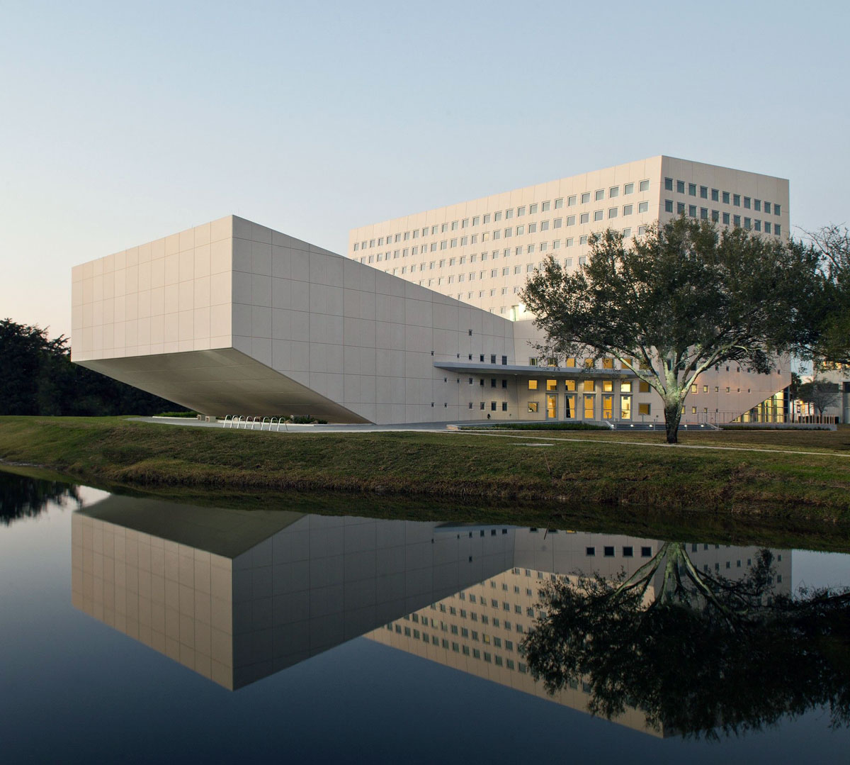 Florida International University (School of International & Public Affairs) -  Miami,  FL